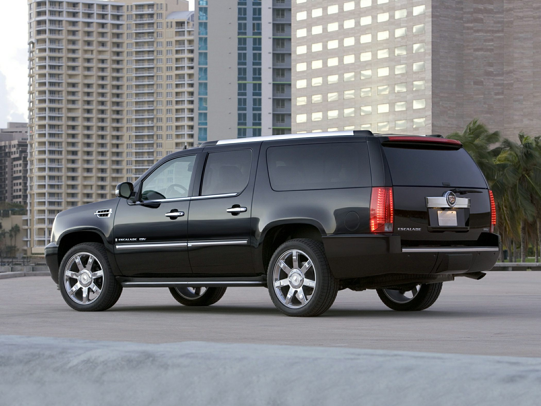 2013 Cadillac Escalade ESV Premium Black 342 Rear Axle Ratio22 x 9 7-Spoke Ultra-Bright Alumin