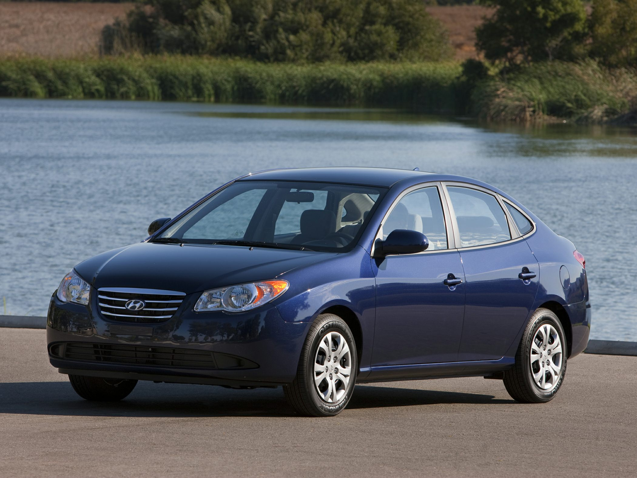 2010 Hyundai Elantra GLS Gray Super gas saver One-owner New Arrival Do you want it all especia