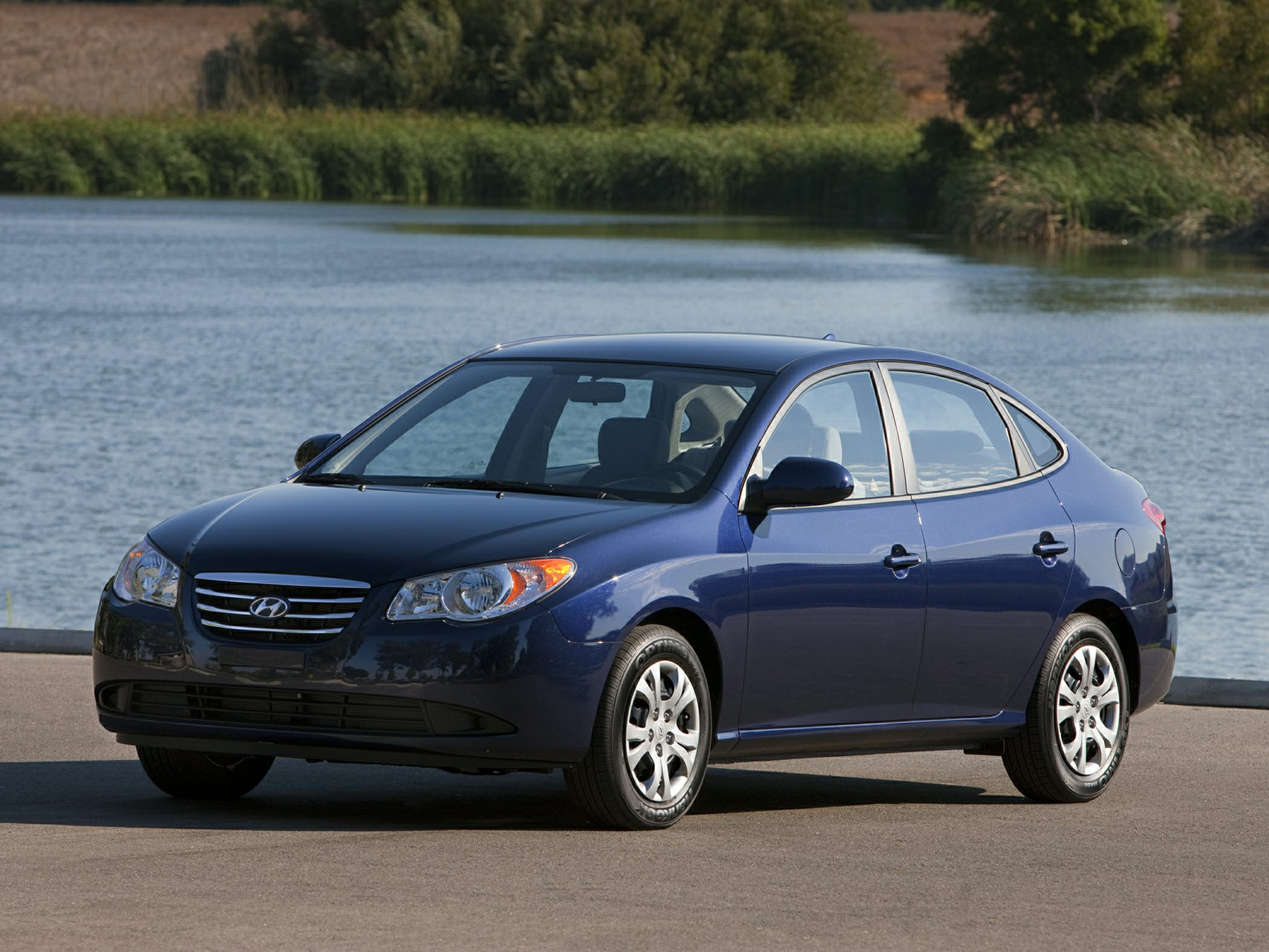 2010 Hyundai Elantra GLS Great MPG Economy smart New Arrival Dont pay too much for the charming