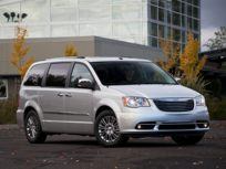 2013 Chrysler Town & Country Front-wheel Drive Passenger Van Touring
