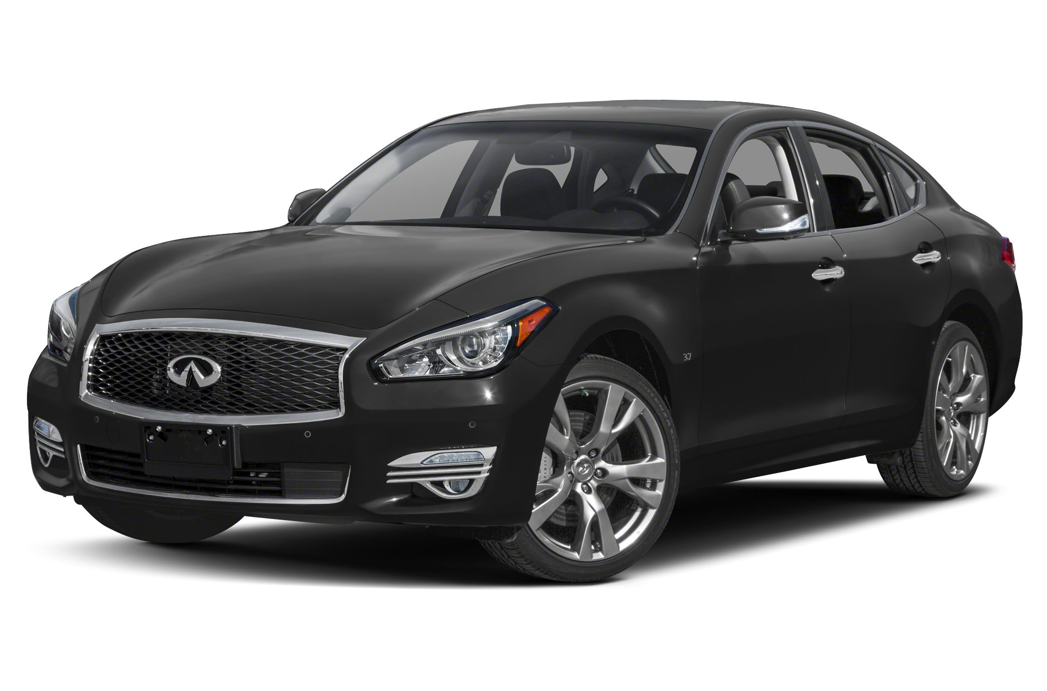 2015 Infiniti Q70 stretches out in NYC