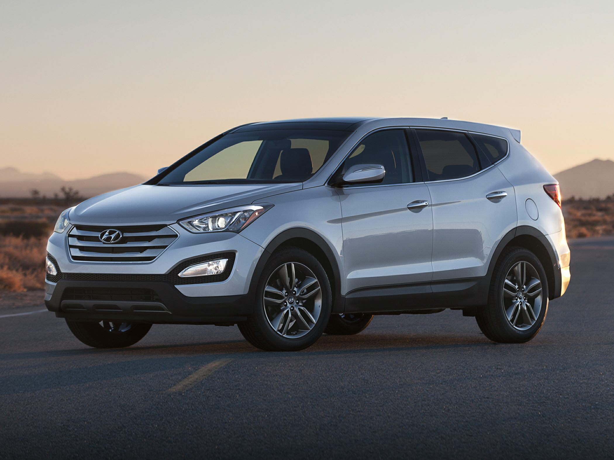 2013 Hyundai Santa Fe Sport 20T Silver Axle Ratio 351Heated Multi-Adjustable Bucket SeatsStain