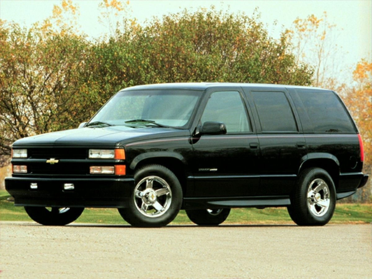 2000 Chevrolet Tahoe Gray 2000 Chevrolet Tahoe Gray Clean CARFAX 4WDCall or stop by at West