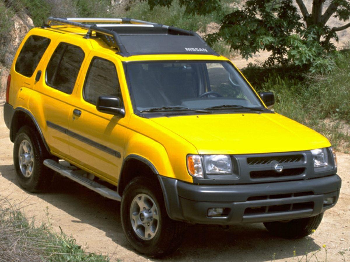 2000 Nissan Xterra Cloth Seat TrimFront CupholdersTachometerABS brakesAMFM radioCD playerDr