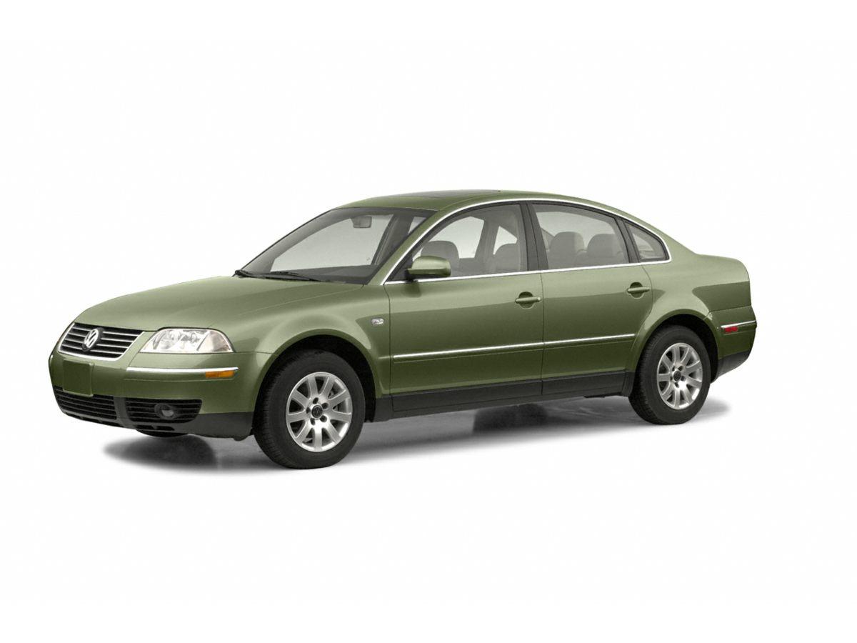2003 Volkswagen Passat GLS Green Yeah baby You Win Creampuff This charming 2003 Volkswagen Pa