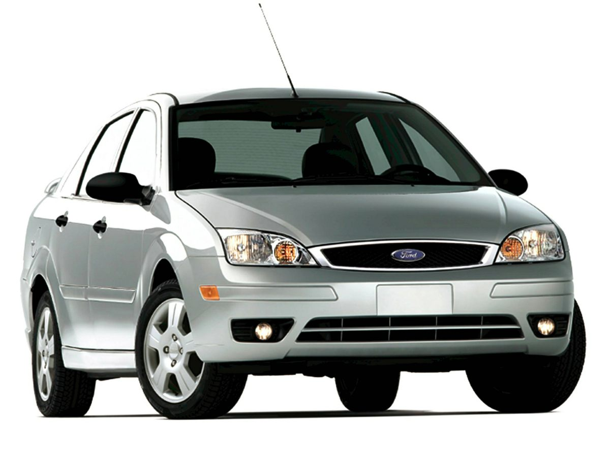 2005 Ford Focus ZX4 4D Sedan