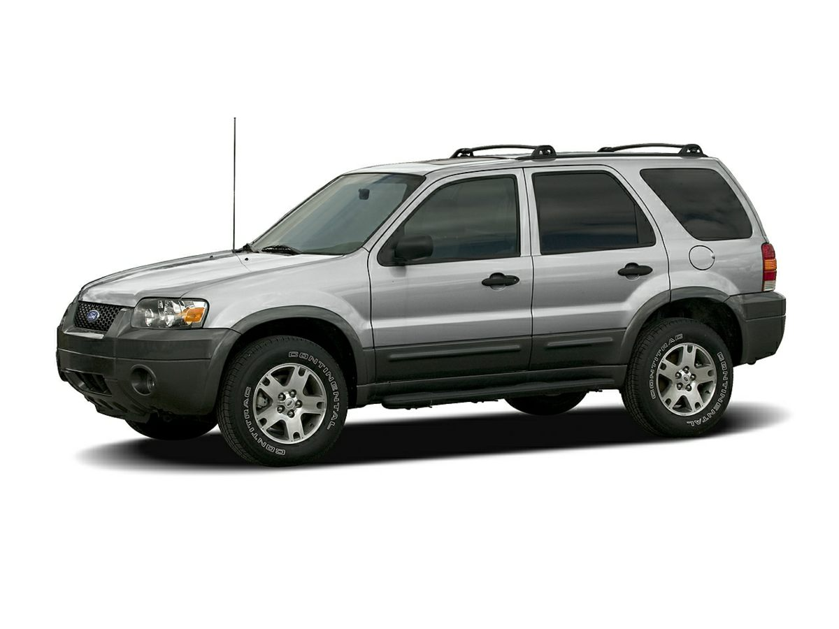 2005 Ford Escape XLT 293 Axle RatioGVWR 4520 lbs Payload PackagePremium Cloth Bucket SeatsAM
