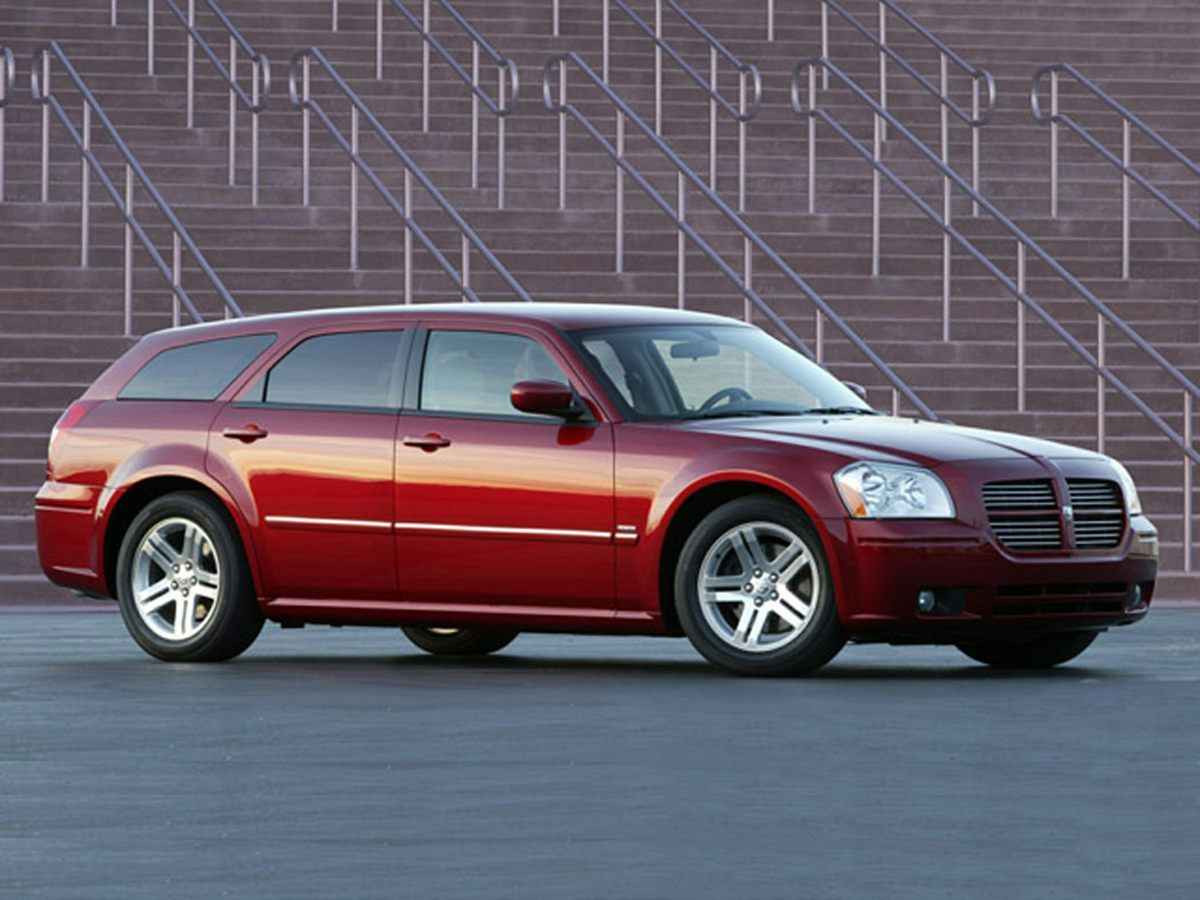 2006 Dodge Magnum RT Red 18 x 75 Aluminum WheelsLeather Trimmed Bucket SeatsAMFM Compact D
