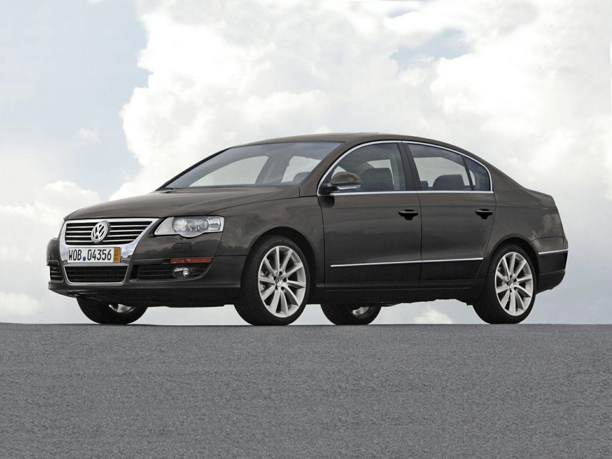 2007 Volkswagen Passat 20T Driver  Front Passenger Comfort SeatsAMFM wSingle In-Dash CD Playe