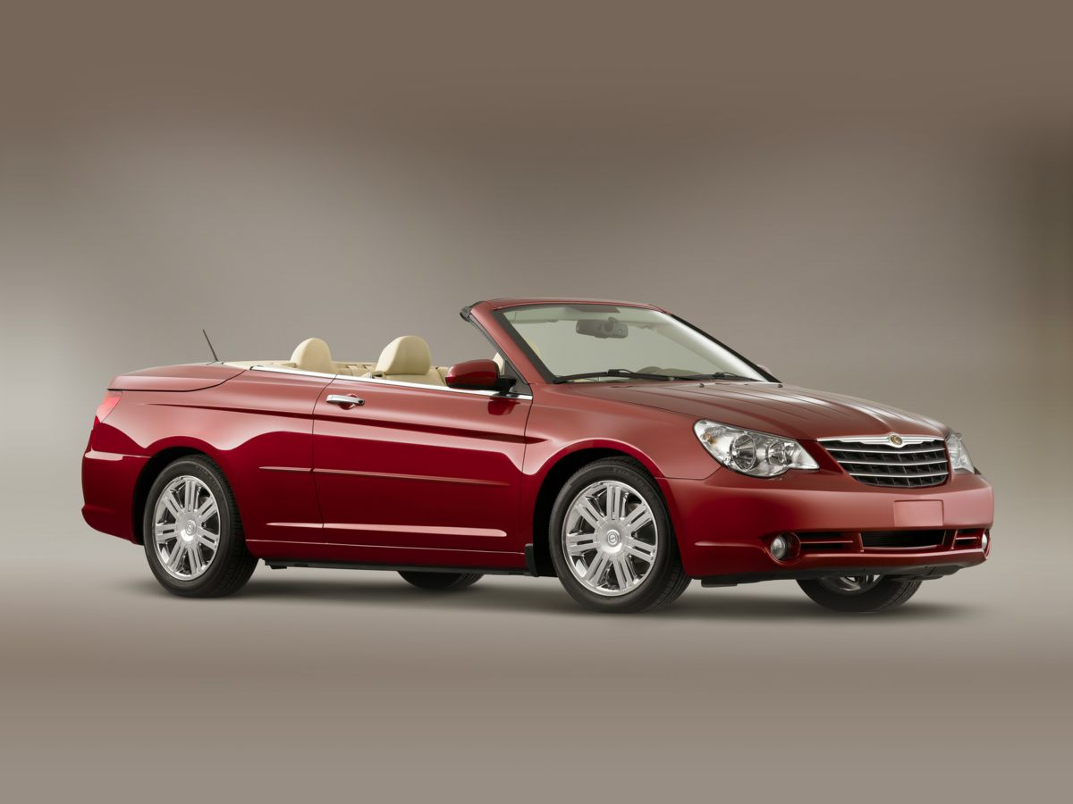 2008 Chrysler Sebring LX Silver Hey Look right here Talk about a deal Creampuff This charmin