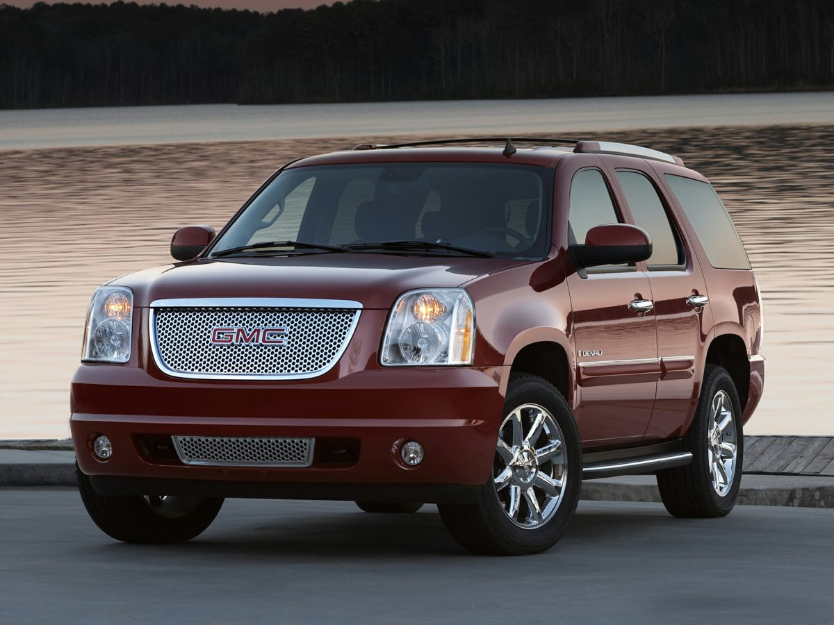 2008 GMC Yukon Denali Black AWD Clean Carfax Denali Package Leather Non Smoker One Owner and