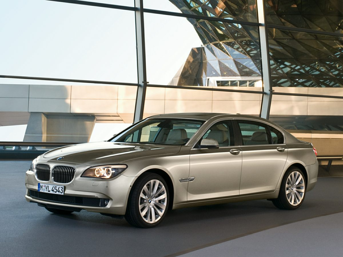 2009 BMW 7 Series 750Li Black 750Li 4D Sedan and 44L V8 32V Twin Turbocharged Embraces the oo