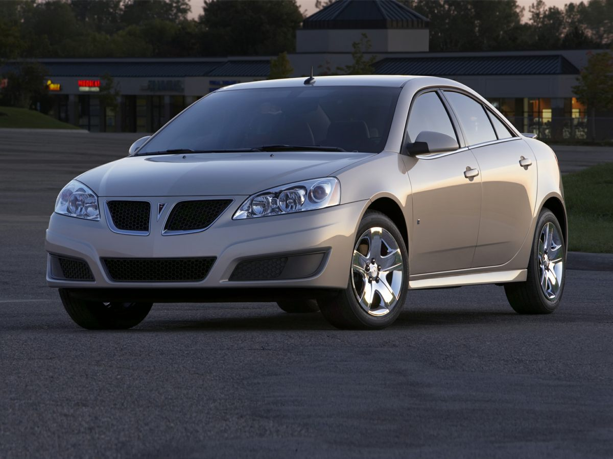 2009 Pontiac G6 Silver 17 Custom 5-Spoke High-Vent WheelsFront Reclining 4545 Bucket SeatsVor