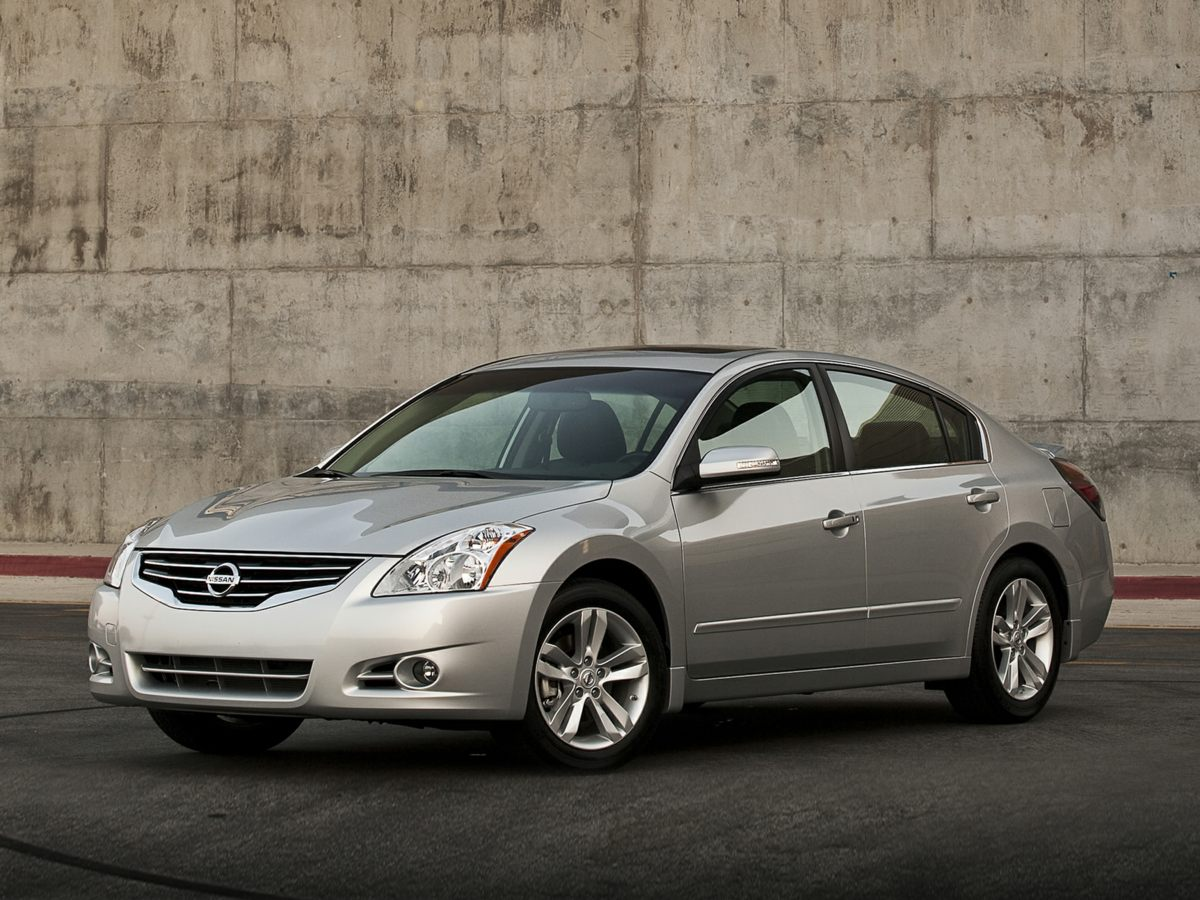 2011 Nissan Altima White Multi-Adjustable Reclining Front Bucket Seats16 Wheels wFull-Wheel Bol