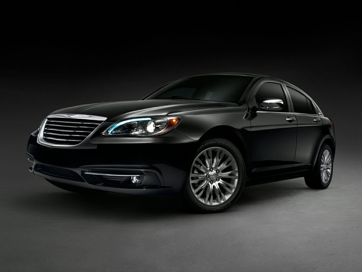 2012 Chrysler 200 Touring Black Sleek Black You win Creampuff This attractive 2012 Chrysler 2