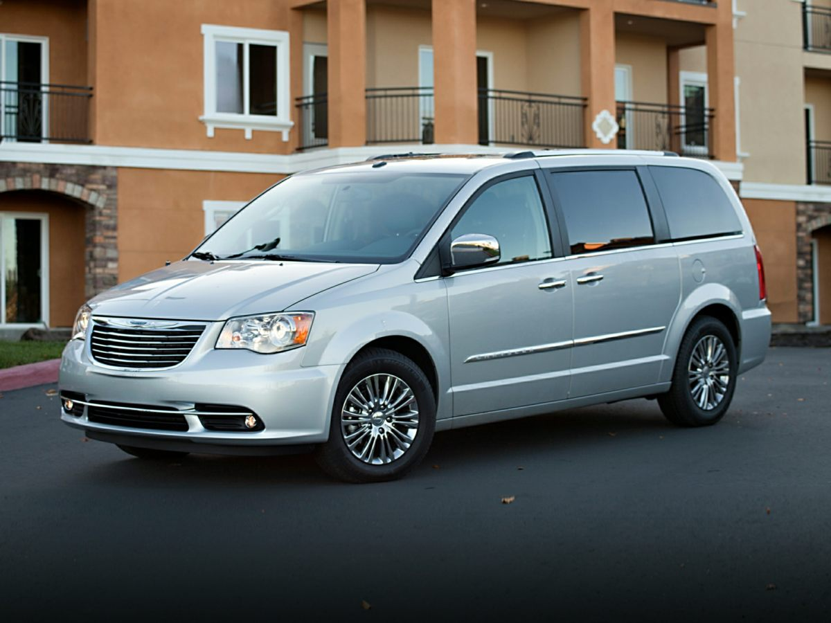 2014 Chrysler Town  Country Limited White Move quickly Wont last long Creampuff This gorgeo