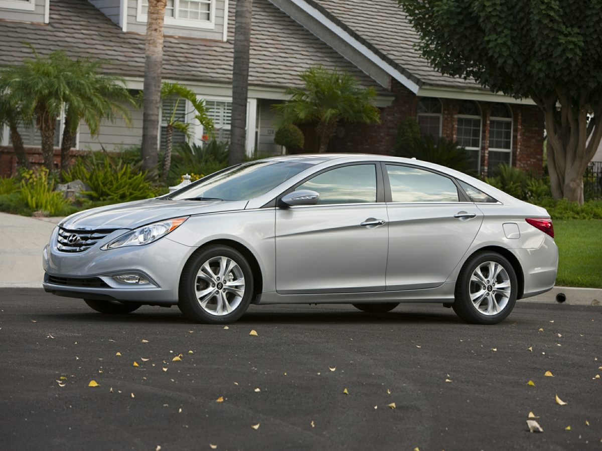 2013 Hyundai Sonata Limited Silver Active ECO System7 SpeakersAMFM radio SiriusXMCD playerM