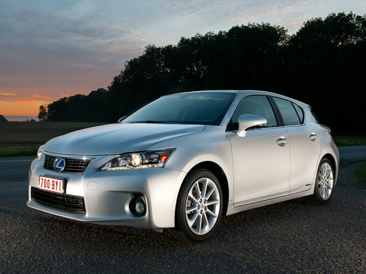 2013 Lexus CT 200h Premium Silver NAVIGATION-ONE OWNER  Hybrid Save the Planet What are you w