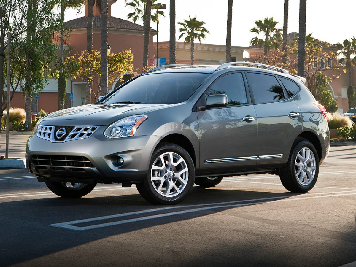 2011 Nissan Rogue S Blue GREAT BUYCOME SEE US Imagine yourself behind the wheel of this ou