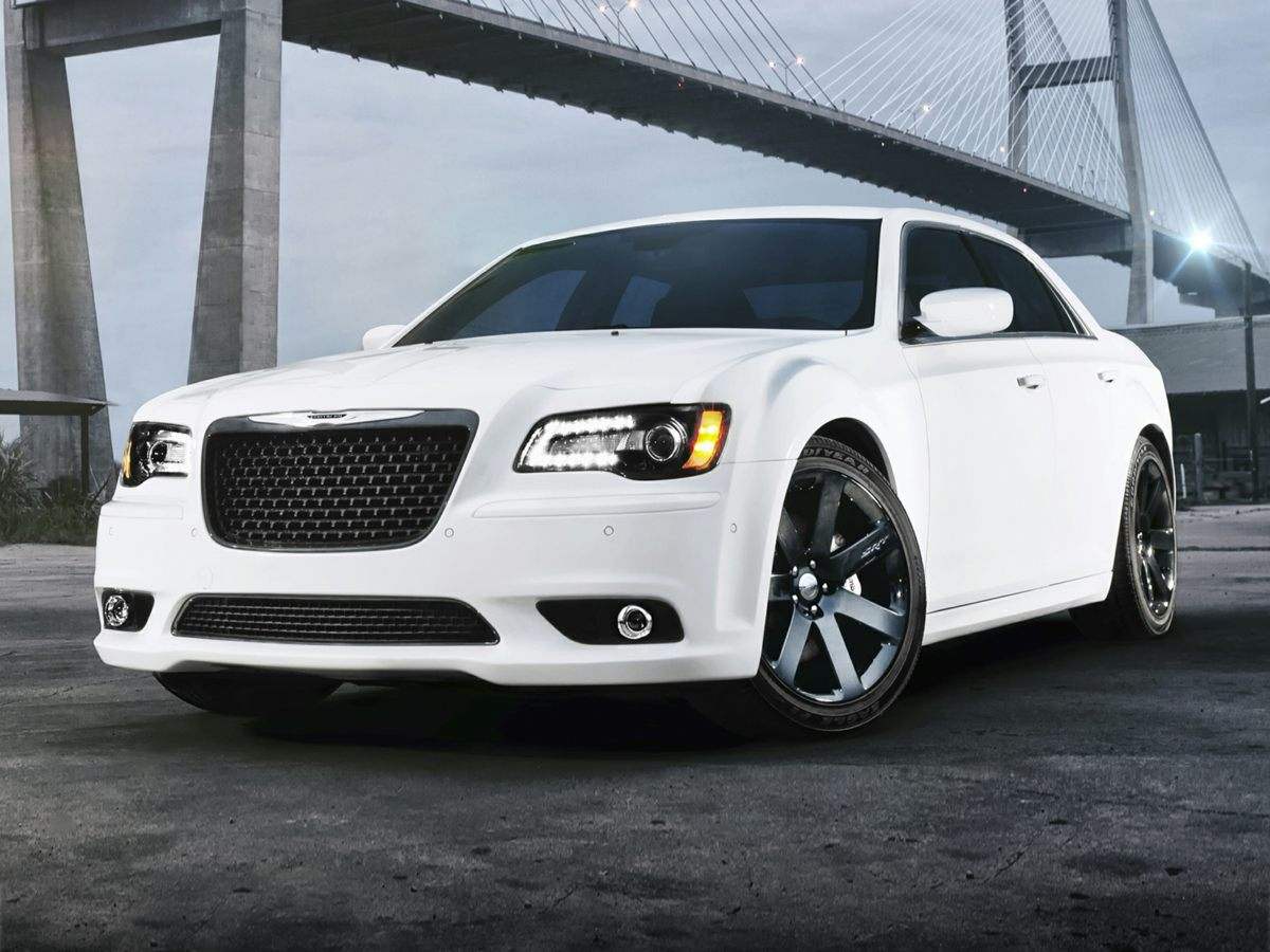 2013 Chrysler 300C Hemi White Leather Trim Seats wPreferred SuedeRadio Uconnect 84N CDDVDMP3