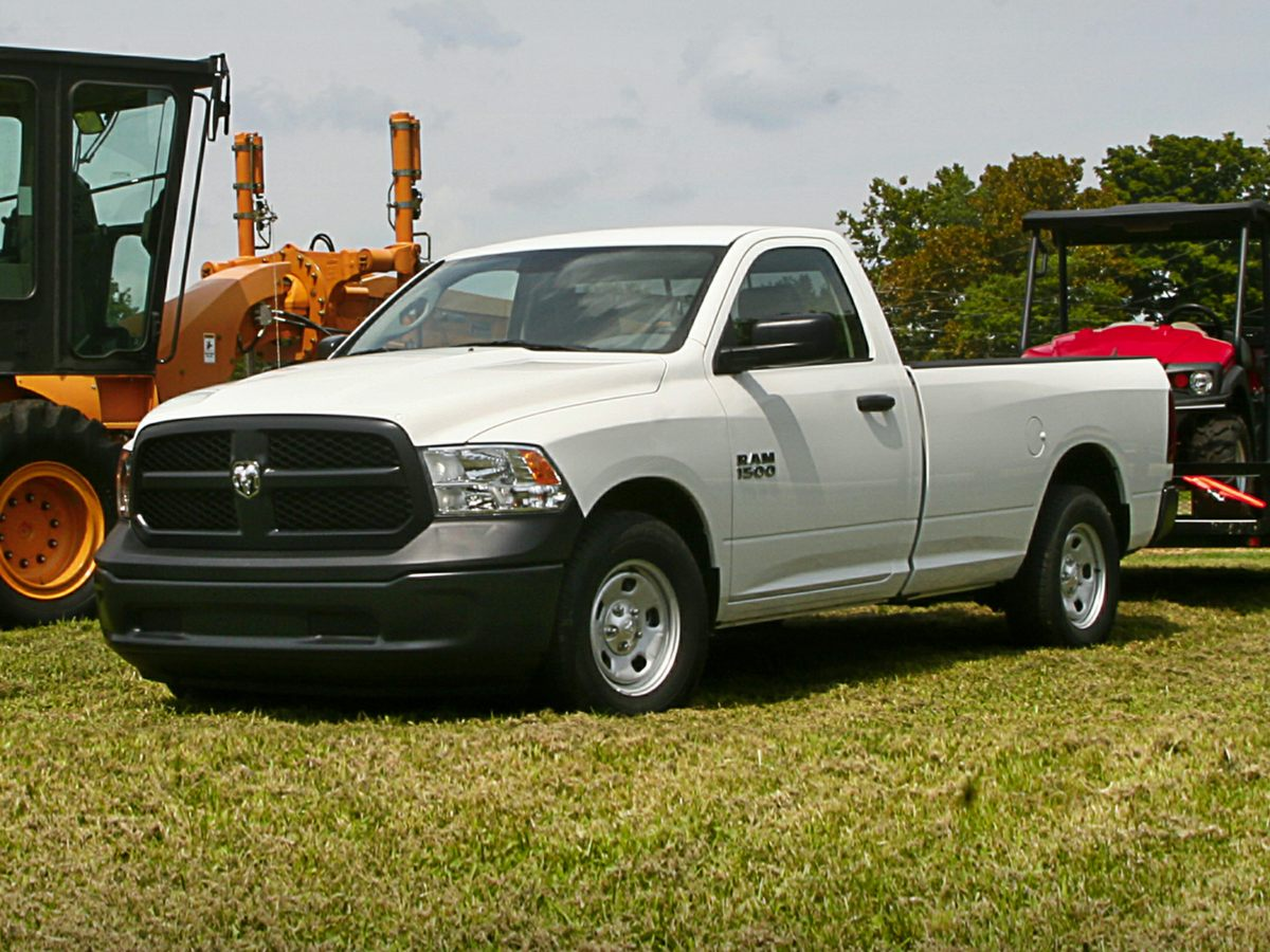 2014 Dodge Ram 1500 White 321 Rear Axle RatioRadio Uconnect 30 AMFMActive Grille ShuttersVe