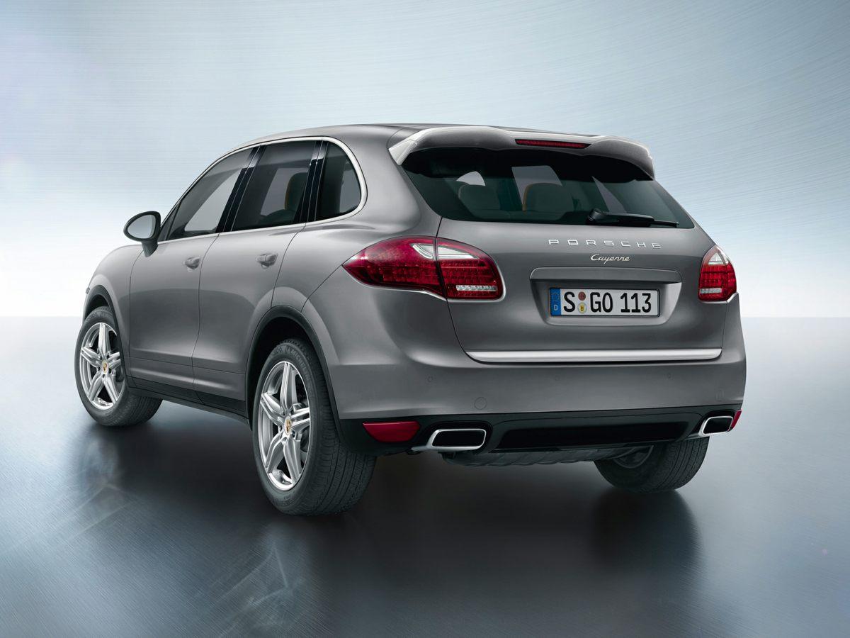 Pre-Owned-2014-Porsche-Cayenne-Diesel-Platinum-Edition