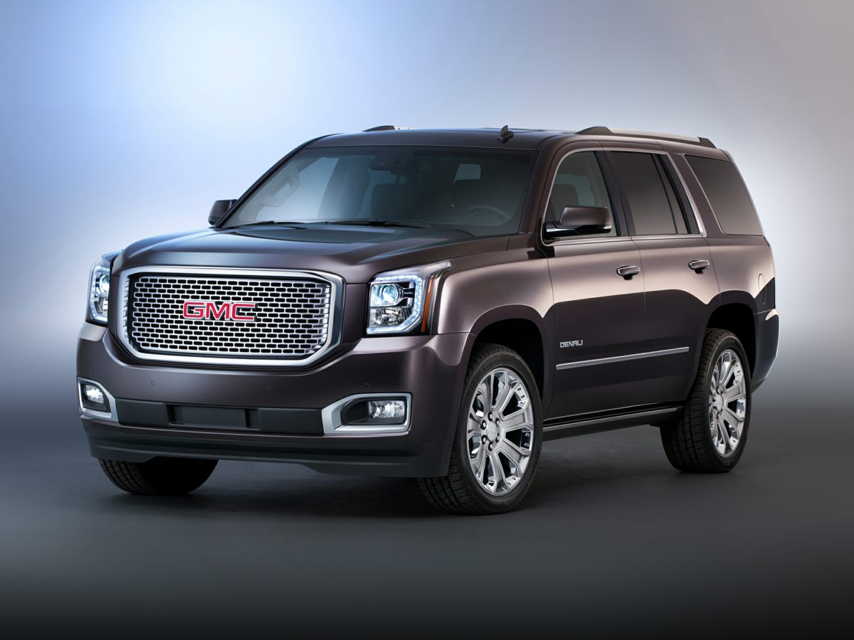 2015 GMC Yukon Denali Black 4WD Traction control keeps you from slip sliding away Has sticking