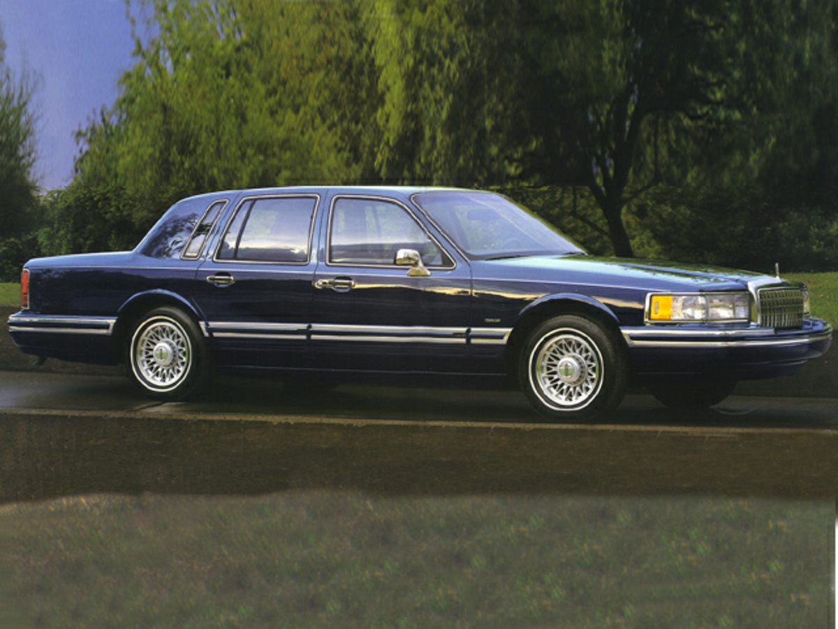 1994 lincoln town car near kingsport tn 37660 for 2. Black Bedroom Furniture Sets. Home Design Ideas