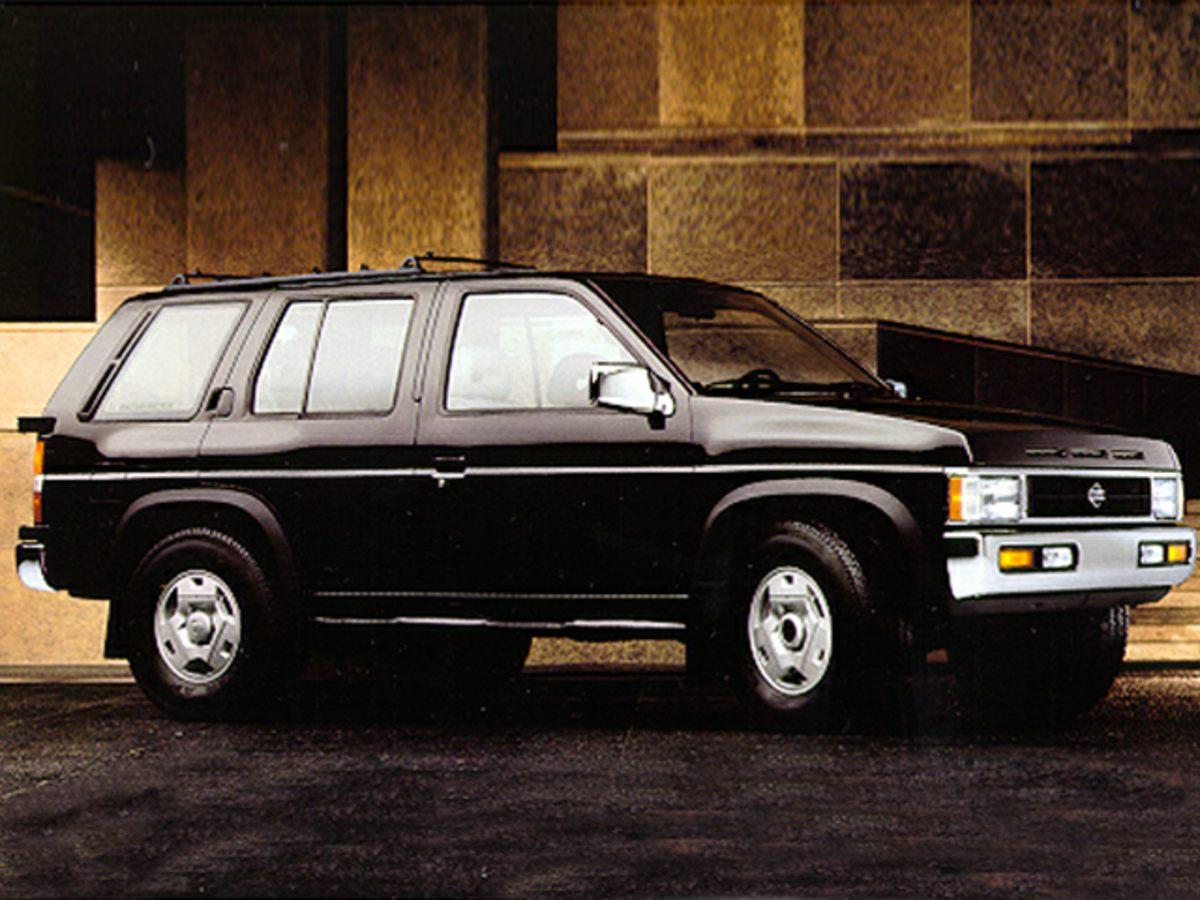 1995 Nissan Pathfinder LE Black CassetteTachometerABS brakesAMFM radioFront anti-roll barLe
