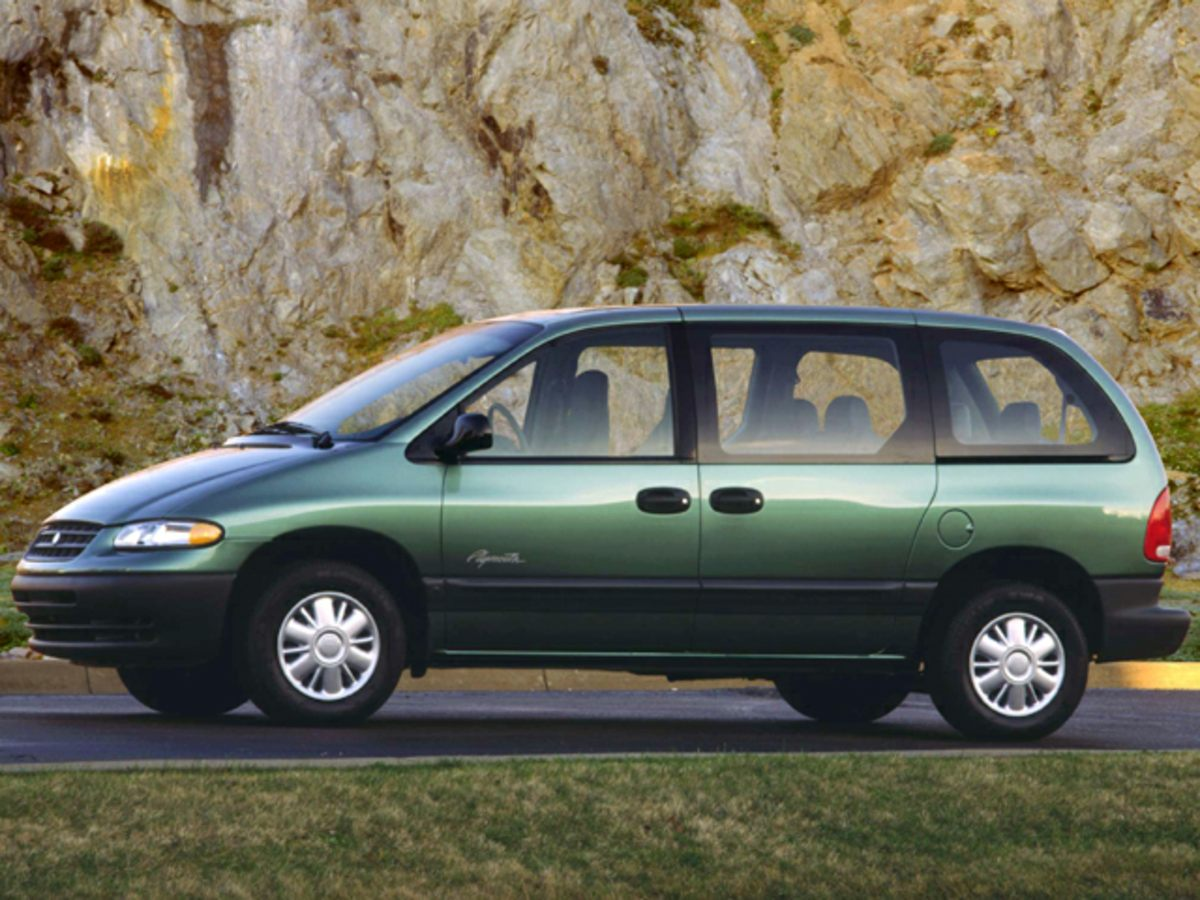 1999 Plymouth Voyager SE Gold 33L V6 FFV Runs at full tilt Wheels of fortune Imagine yourself