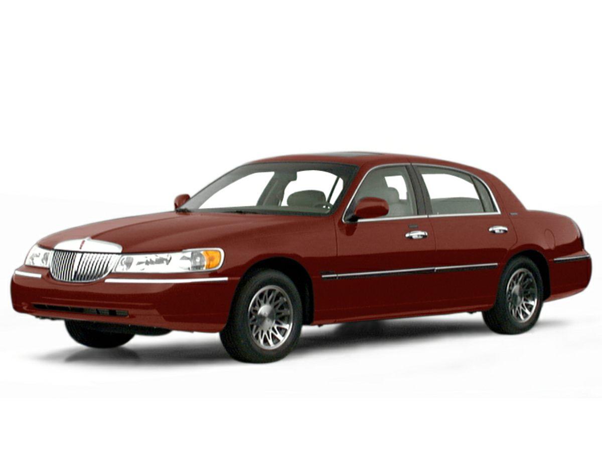 2000 Lincoln Town Car Signature P9408A