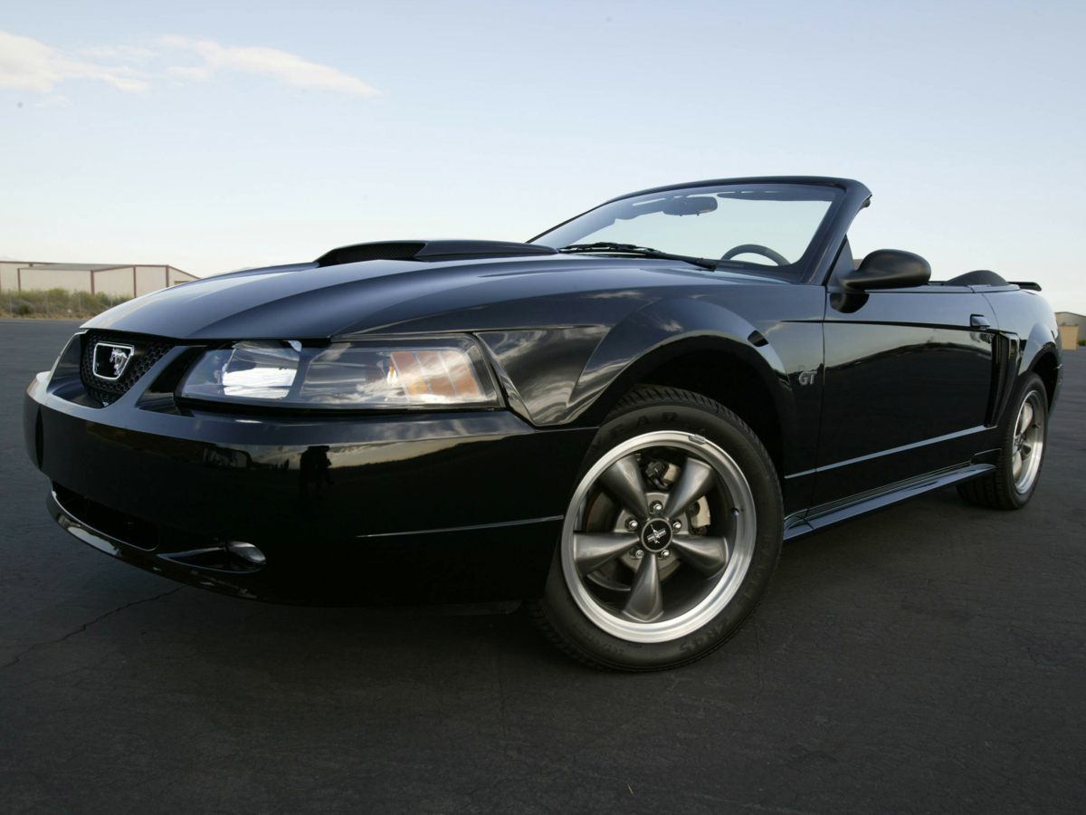 2004 ford mustang v6 cars and vehicles west palm beach fl. Black Bedroom Furniture Sets. Home Design Ideas