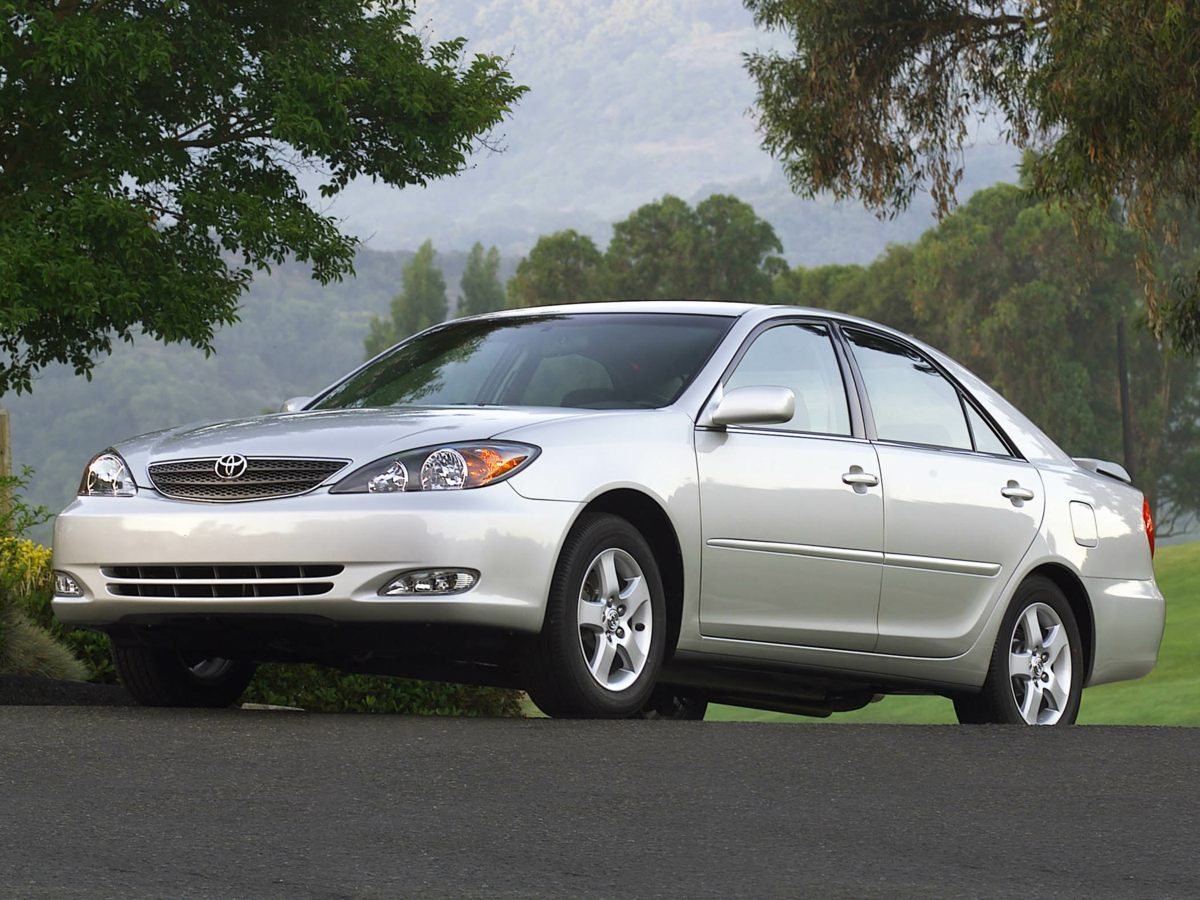 2004 Toyota Camry SE White When was the last time you smiled as you turned the ignition key Feel