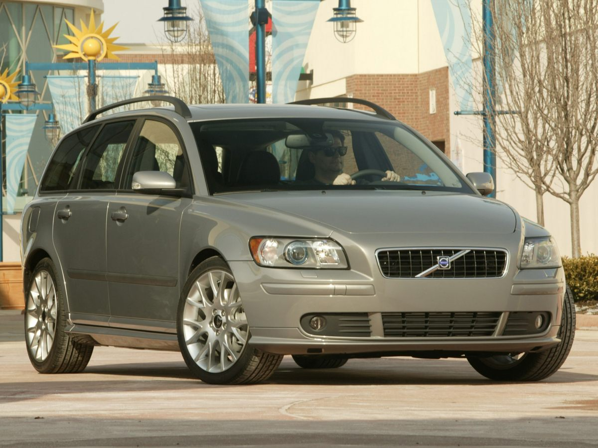 2005 Volvo V50 24i Silver Newly Detailed 1 OWNER and CLEAN CARFAX Elevating the ride This on