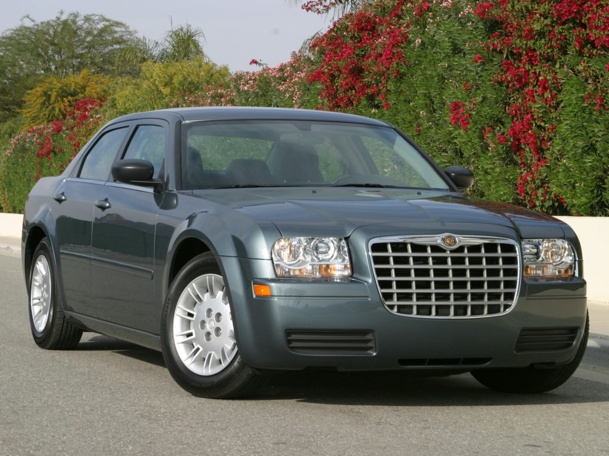 2007 Chrysler 300 Base Black What a price for an 07 Here it is Tired of the same tedious drive