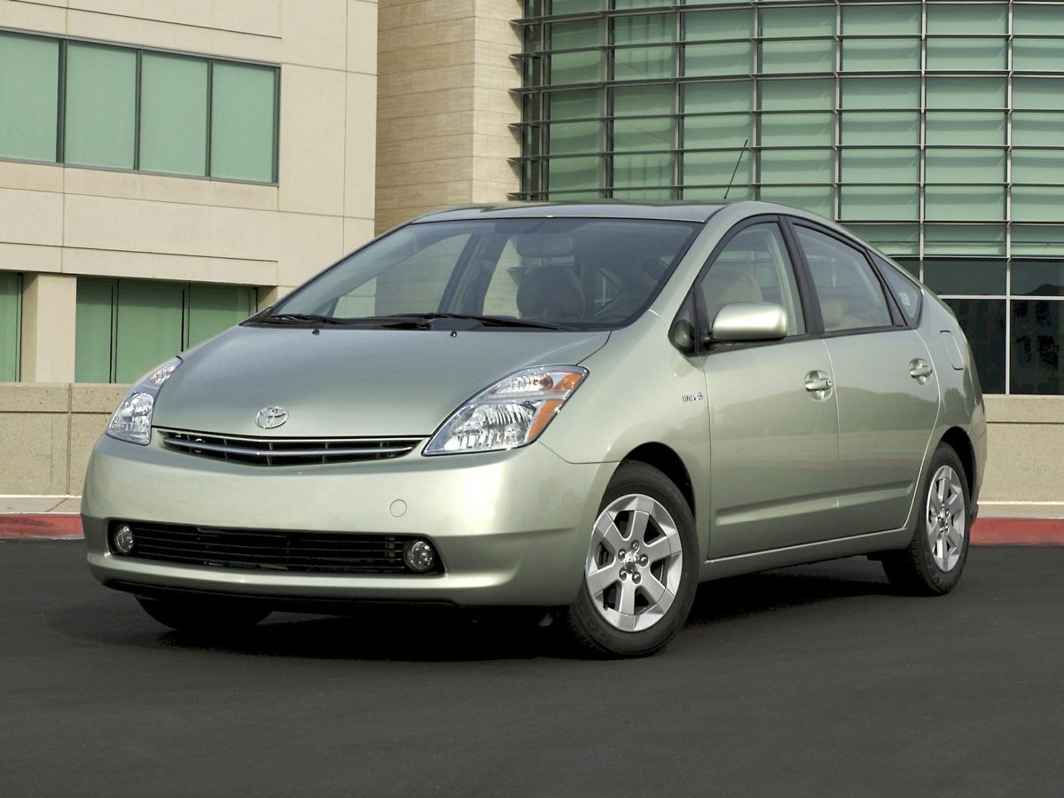 2009 Toyota Prius Beige 4D Sedan and 15L I4 SMPI DOHC Squeaky clean one owner vehicle Steadfa