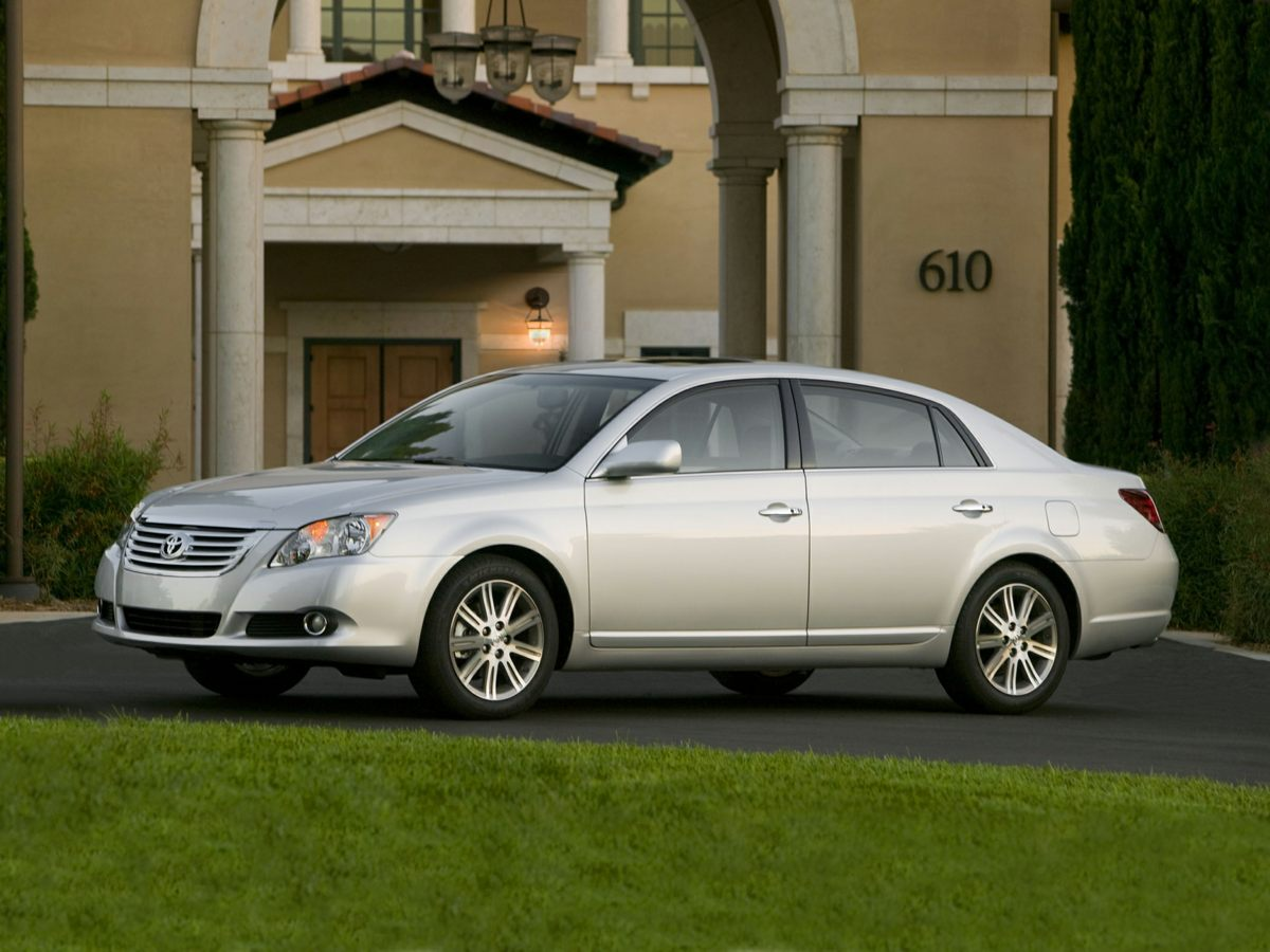 2010 Toyota Avalon Limited White Avalon Limited 4D Sedan and Power moonroof Prompt pedal respo