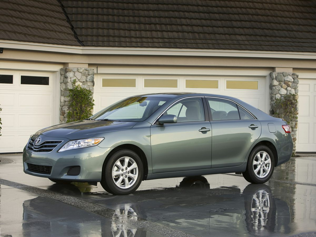 2010 Toyota Camry LE Silver CARFAX One-Owner Classic Silver Metallic 2010 Toyota Camry LE FWD 6-