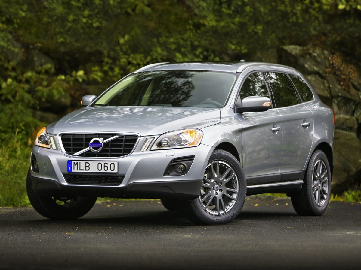 2011 Volvo XC60 32 Beige XC60 32 and 4D Sport Utility One-owner beauty Only one previous owne