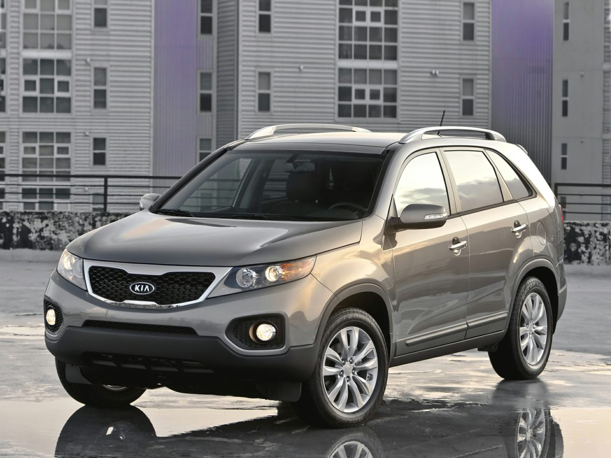 2013 Kia Sorento Red 391 Axle RatioAMFMCDMP3 Audio System4-Wheel Disc Brakes6 SpeakersAir