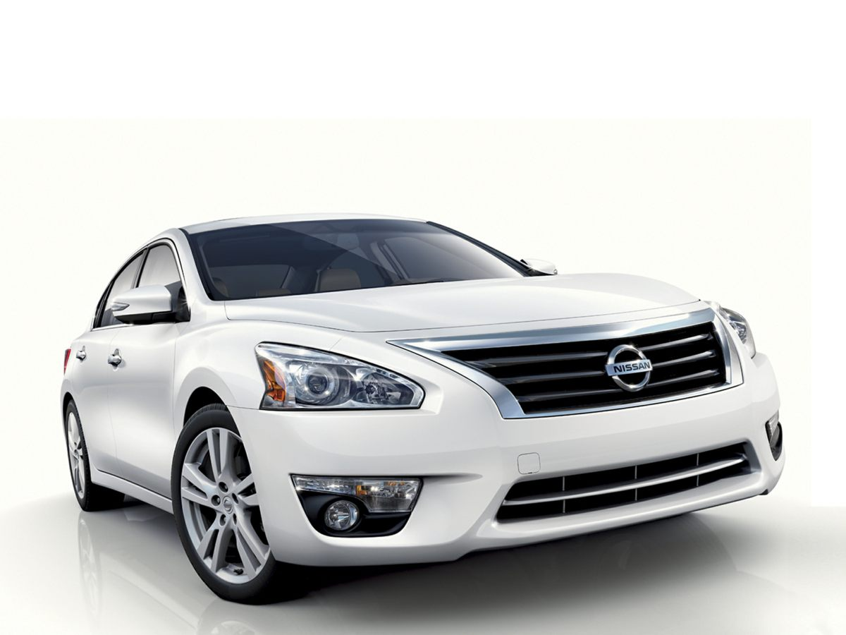 2013 Nissan Altima 25 SV Beige Newly Detailed 80 Point Inspection and CLEAN CARFAX 1 OWNER C