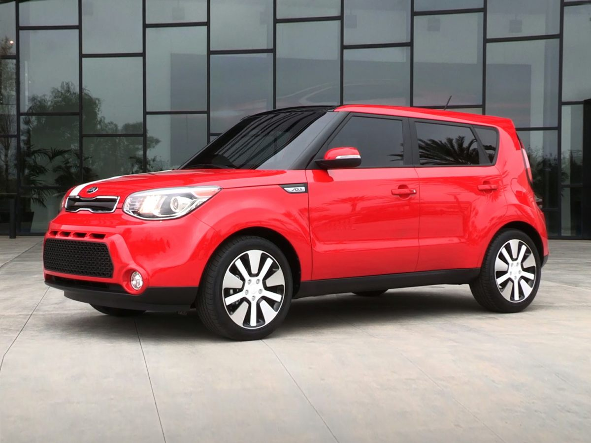 2014 Kia Soul Plus Green CARFAX One-Owner Odometer is 3758 miles below market averageAwards