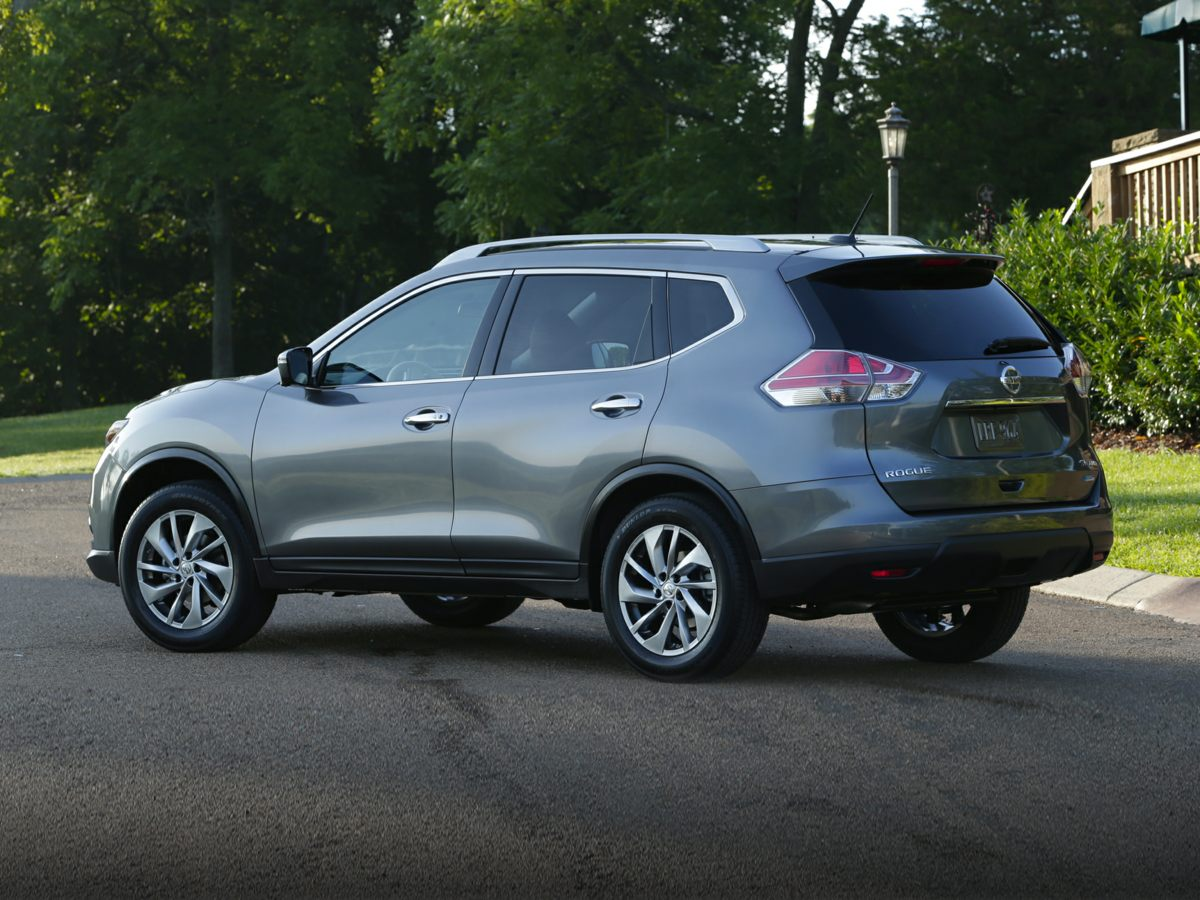 2016 Nissan Rogue Red 5694 Axle Ratio4-Wheel Disc BrakesAir ConditioningElectronic Stability