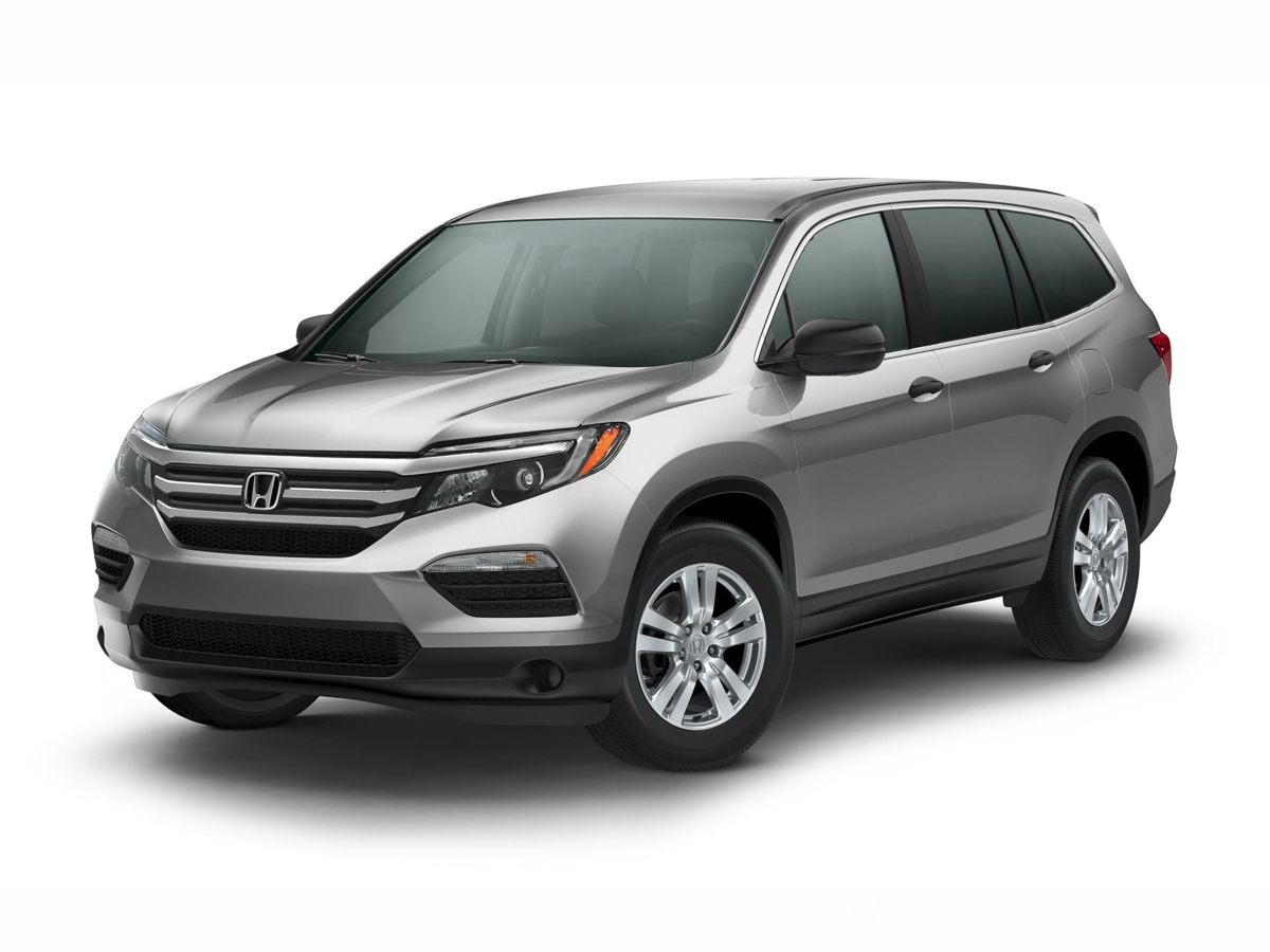 2017 Honda Pilot LX Gray An uncommon find An ideal ride for any outing Put down the mouse becau