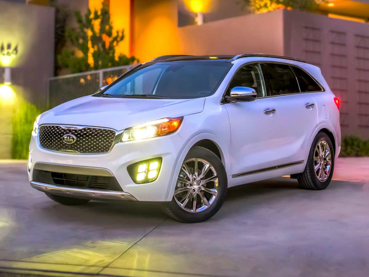 2016 Kia Sorento LX Gray 332 Axle RatioWheels 17 x 70 AlloyFront Bucket SeatsYES Essential