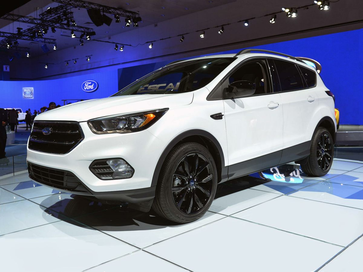 17 Ford Escape SE
