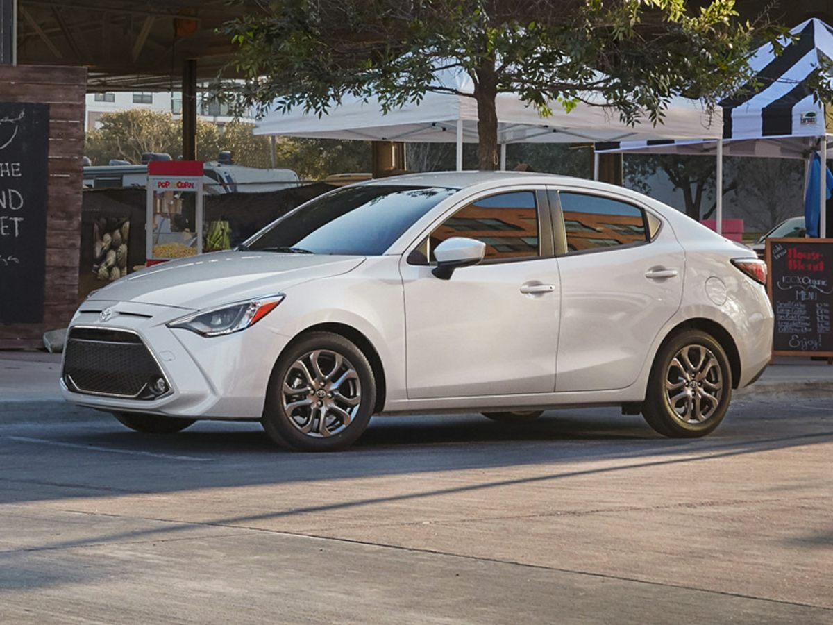 2019 Toyota Yaris LE Gray    Graphite 2019 Toyota Yaris LE FWD 6-Speed Automa