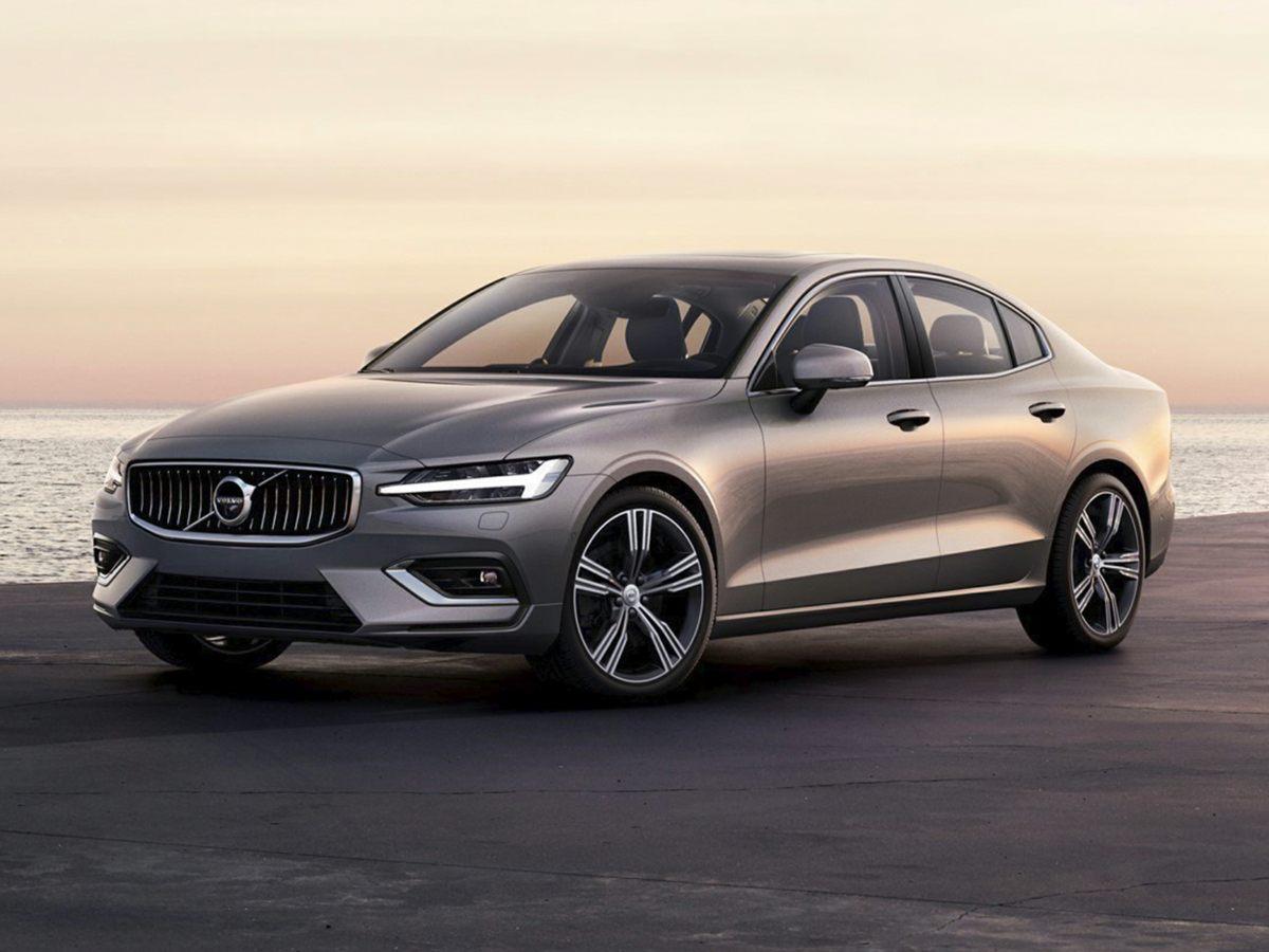 New 2019 Volvo S60 T6 Momentum