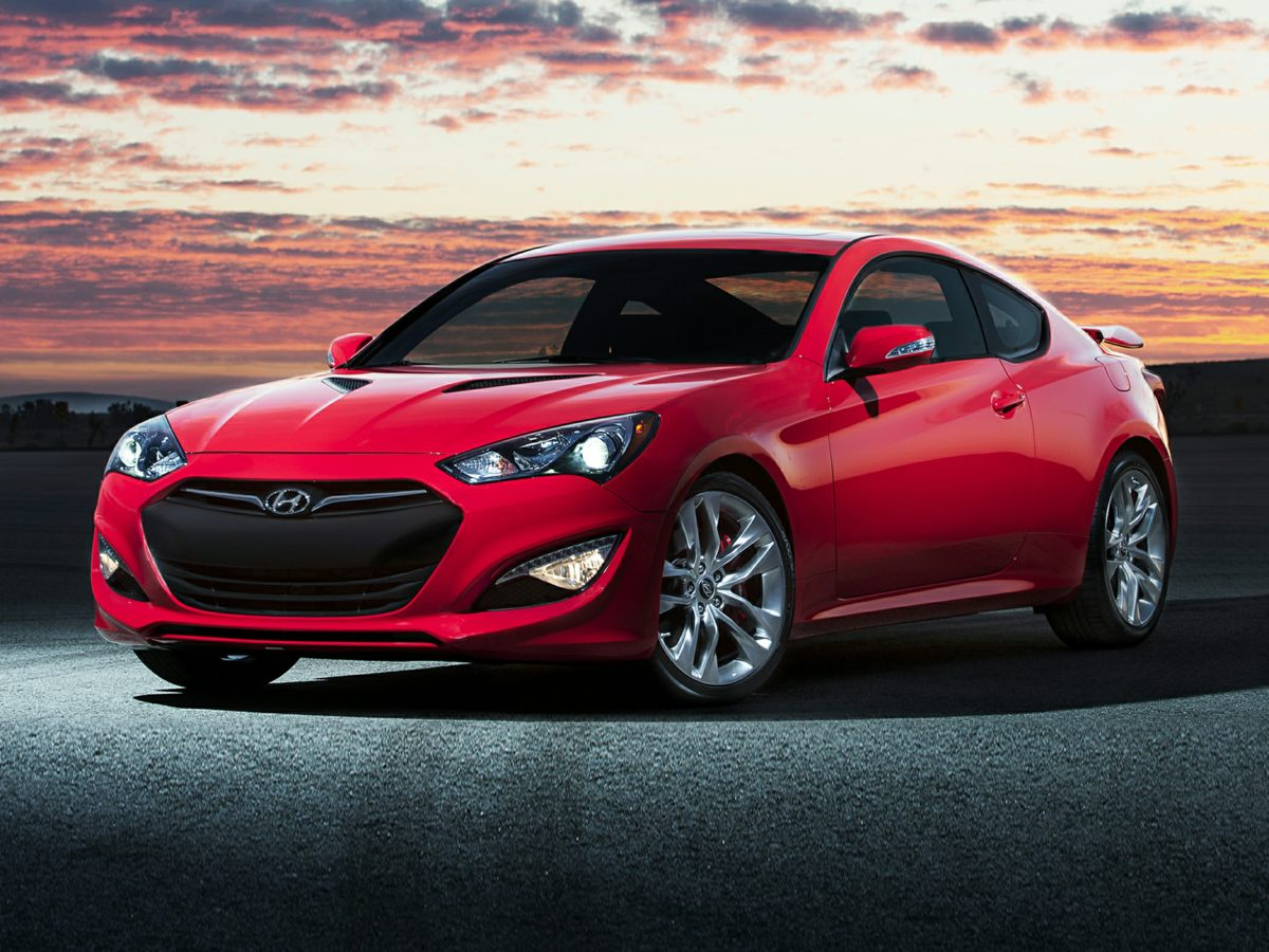 2014 Hyundai Genesis Coupe CD player Bumpers: body-color