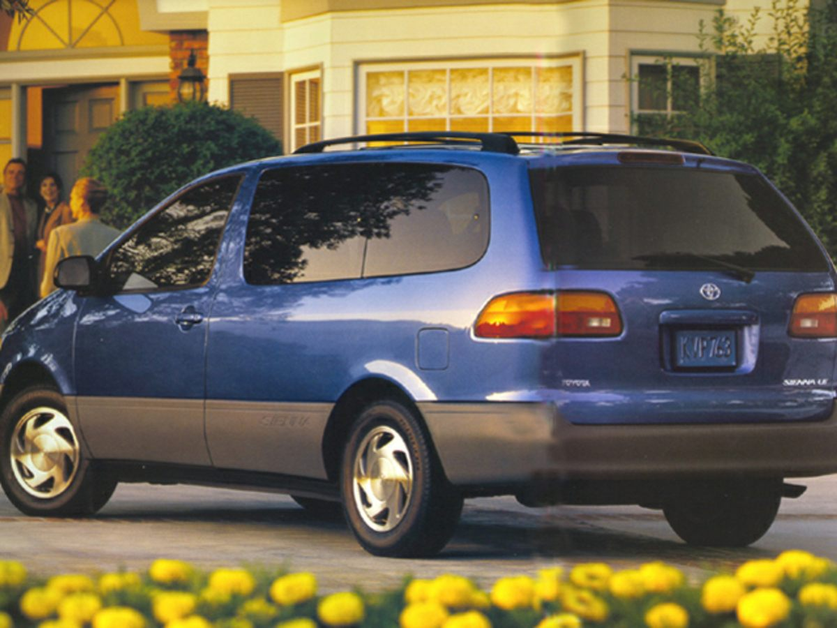 1999 Toyota Sienna Front anti-roll bar Dual front impact airbag